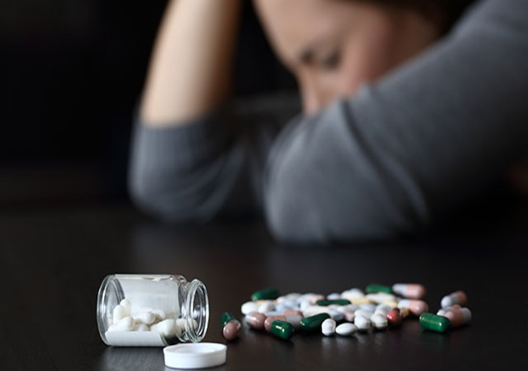 Never overlook these symptoms of opioid addiction